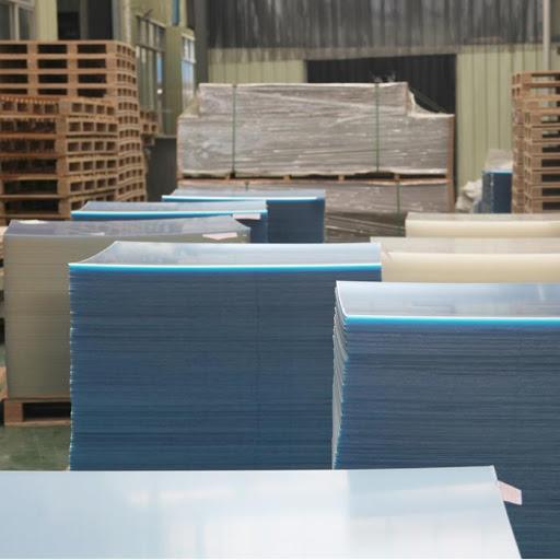 مادة الأكريليك الشفافة المستخدمة في صناعة موجه هواء المكيف
