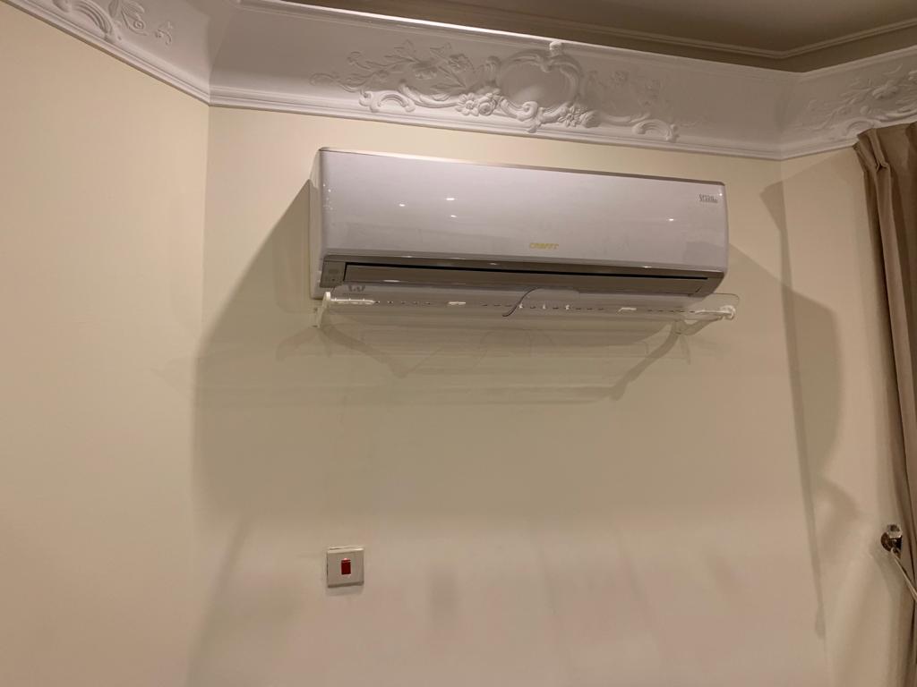 موجه هواء المكيف للوقاية من ويلات الهواء المباشر للمكيف